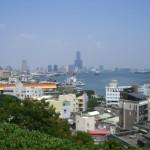 高雄港と市街地